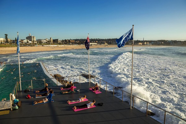 iceberg-yoga-bondi-beach-sydney-australia-600x400