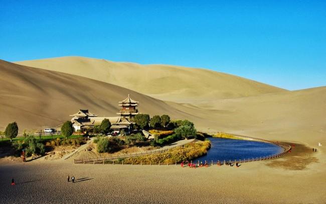 crescent-lake.-china-lucindadennis